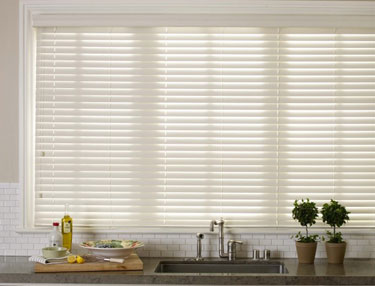 TWF_Alta-Faux-Wood-Blinds_Features-and-Benefits_Repels-Dirt.jpg