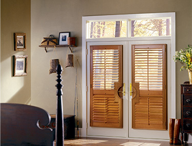 TWF_Heritance-Hardwood-Shutters_Features-and-Benefits_Endless-Color-Selection.jpg