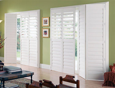 TWF_Palm-Beach-Shutters_Features-and-Benefits_Stain-and-Dirt-Resistantl.jpg