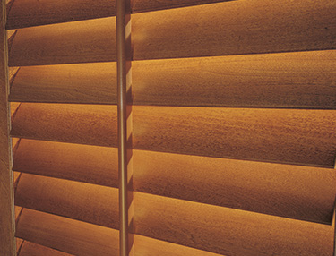 TWF_Heritance-Hardwood-Shutters_Features-and-Benefits_Geniune-Hardwood.jpg